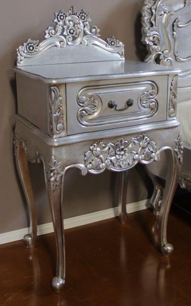 French Rococo Bedside with Pediment BS024S