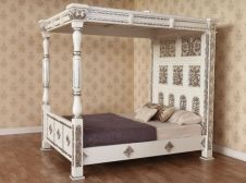 Carved Four Poster Bed (B045W&S)