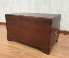 Plain Mahogany Blanket Box OCS050