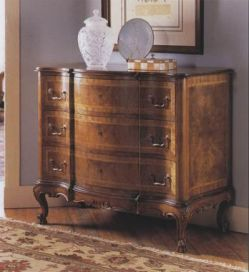Italian Walnut Chest of drawers