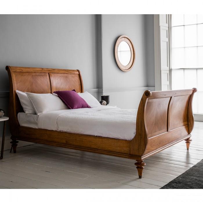 Classic Walnut Furniture Top 10 - No 2 - Frank Hudson Spire High End Walnut Sleigh Bed